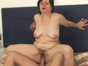 Sloppy mature pussy