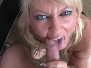 Big tit blonde mom