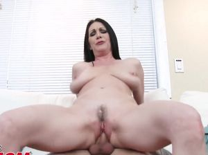 Mom stuck gets fucked