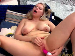 Blonde milf big ass